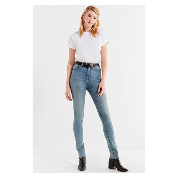 how to serch detailed images structural disablities UO BDG Twig High-Rise Skinny Light Wash Jeans NWT